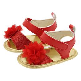 láminas de caucho Rebajas Hoja de goma inferior suave flor roja sandalias para bebés verano niños primero caminante zapatos para niños pequeños sk617