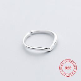 2019 anel de moda em forma de v Moda Jewellry Torcido Planície V-Forma Banda Fina Anel de Seta Charme Dedo Knuckle Mid Ring venda direta da fábrica Jewellry desconto anel de moda em forma de v