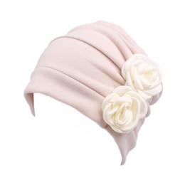 Cappello donna cancro dell'involucro della testa confortevole Ruffle casual Fiore modello Perdita Accessori chemioterapia Cappellino morbido Beanie Solid Capelli da sentito pista fornitori