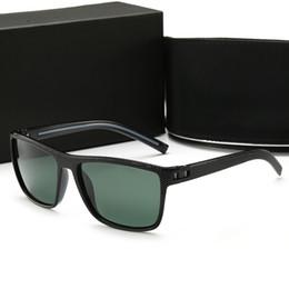 Rahmenlose brille titan online-New Luxury Designer Optische Gläser Runde Rahmenlose Optische Glänzende Gold Titan Brillen Top Qualität Kommen Mit Fall