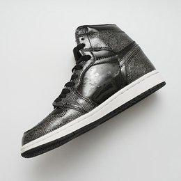 Dedo do pé quente on-line-HOT sapatas do desenhista 1 OG Basquete Calçados Mens Chicago 1S 6 MID New Love UNC Esporte anéis mulheres sapatos Sneakers Bred Trainers Toe tamanho 36-47