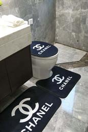 Diseños de aseo online-Aseo práctica Escenografía alfombras de baño 3 Piezas Conjuntos Hotel Bathroom antideslizante familia de alfombras de baño Decoración Alfombra Hermosa