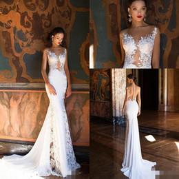 2019 robe de mariée taille plus Milla Nova Vintage Crochet Dentelle Château De Sirène Robes De Mariée Modest Sheer Retour Balayage Train Plage Floral Robes De Mariée De Mariée