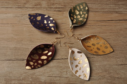 Aretes de cuero para mujer online-Pendientes de cuero reales para mujeres reales pendientes de la pluma de la manera larga hoja Rainbery cuelgan gotas para el oído multicolor de otoño joyería de las mujeres