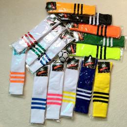 Hombres con calcetines online-Niños mujeres hombres Deportes calcetines adultos niños fútbol fútbol calcetines duraderos estudiantes porristas tubo largo baloncesto calcetín corredor