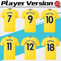 Jugador versión   10 PELIGRO Camiseta de fútbol amarilla 18 19   9 HIGUAIN    18 GIROUD Camiseta de fútbol de manga corta 2019   7 KANTE Uniformes de  fútbol e8529520267f6