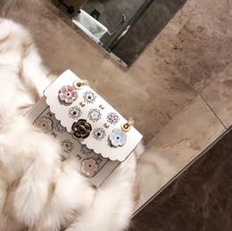 Carteira de tecido bordado on-line-Moda senhora bordado bolsa de ombro com qualidade do logotipo do couro tecido ocasional tendência feminina Messenger bag carteira estilo clássico