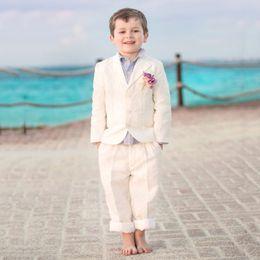 Strand Beige Blume Jungen Anzüge für Hochzeit Kinder Kleidung Blazer Revers Kind Bräutigam Smoking 3 Stück Jacke + Pants + Weste Jungen Abendgarderobe von Fabrikanten