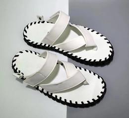 Crochet sandals online-marchio wmns air forced 1 07 LV8 mens designer sandali di lusso infradito crochet in vera pelle estate spiaggia uomo pantofole nero bianco rosso caldo