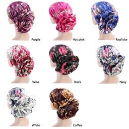 2019 cappellini in satin hijab Nuovo lusso turbante fiore di seta Donna raso Cancer Chemo Berretti Cappelli Musulmano Turbante Party Hijab Headwear Accessori per capelli sconti cappellini in satin hijab