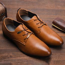 vestidos de fábrica Desconto Tamanho 38 ~ 48 homens sapatos formais tomada de fábrica marca de tendência dos homens de couro sapatos de vestido # SH710