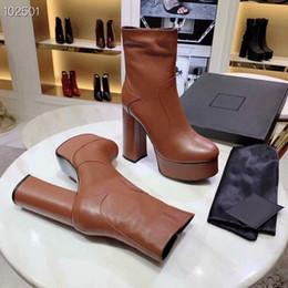 La venta caliente [de Orignal Box] de lujo de las nuevas mujeres de la plataforma del invierno del otoño de Brown aumento de la altura del tobillo del