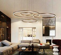 handgefertigte holzlampen Rabatt Moderne kreative kreis ring led pendelleuchte braun / goldene farbe kronleuchter für wohnzimmer esszimmer schlafzimmer halle