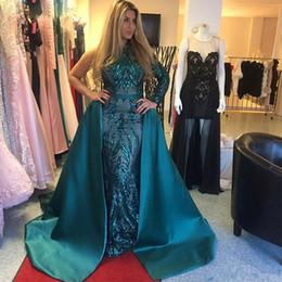 Tappeto verde cacciatore online-Hunter Green Luxury A-Line Fashion Abiti da sera con rimosso treno collo alto una spalla paillettes Red Carpet Celebrity Gowns