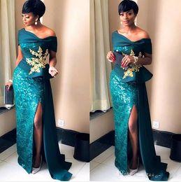 2019 Nignia lindo elegante Sereia Vestidos de Noite fora do ombro sexy divisão alta varredura trem vestido de baile personalizado feito com rendas de ouro de Fornecedores de vestidos indianos simples