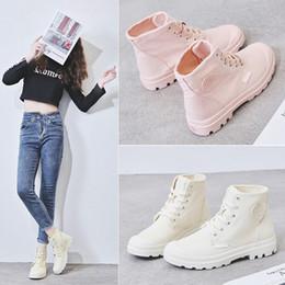 Zapatos de lona de caramelo de las mujeres online-Zapatos del color del caramelo de la alta ayuda zapatos de lona femeninos 2019 otoño Ventilación Martin Tiempo cargadores del ocio Inglaterra del viento de las mujeres Tidevend