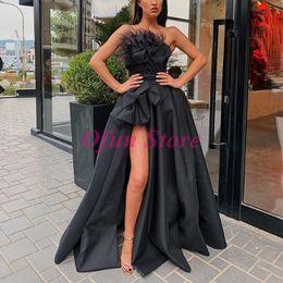 champagner-dünnes abschlussballkleid Rabatt Chic A Line Side Split geraffte schwarze Abendkleid Liebsten Satin bodenlangen rückenfreie Abendkleider Prom Kleider mit Blumen