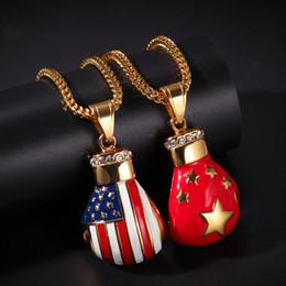 2019 guantone china Guantoni da pugilato bandiera Pendente in acciaio inox appeso per bandiera americana della Cina Nuovi gioielli di collana di moda zircone microincollati hip-hop sconti guantone china