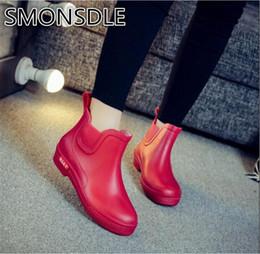 eb902b41703 SMONSDLE 2018 inverno novo tubo curto não-escorregar baixo para ajudar a  moda Coreana botas de chuva à prova d  água de borracha sapatos de mulheres  A63