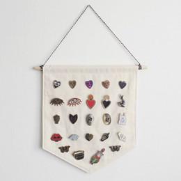2019 broches vierges Affichage de Badge Blanc Suspendu Tissu Enfants Chambre Pennant Boutons Broche Badge Organisateur DIY Décoration Murale ZC1145