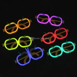 óculos em forma de maçã Desconto Palha de LED fluorescente óculos para a festa de Novidade Luminosa Óculos de Halloween de Natal crianças Brinquedos PE Maçã Forma Óculos C6700