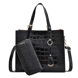 2020 bolsa vermelha em couro de patente Capa de Couro de crocodilo Mulheres Bag Black Red Mulheres Bolsas Set Grande Capacidade Shoulder Bag Feminino Tote Bolsas Carteira desconto bolsa vermelha em couro de patente