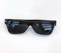 2019 kleine eyewear Heißer Verkauf Luxus Designer MILLIONAIRE New Mens Sonnenbrille Kleiner Rahmen Vintage Sonnenbrille für Shiny Gold Logo UV400 günstig kleine eyewear