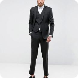 Negocio formal Trajes de hombre negro Boda Esmoquin Por encargo Novio  Desgaste Traje masculino de 3 piezas Traje Homme Últimos diseños Hombre  chaqueta de ... 6712a456dccd