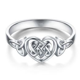 Anel esculpido celta on-line-Simples Mulheres Esculpidas Oco Amor Coração Celta Nó Anel de Dedo Partido Jóias