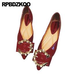 9b5c78b68 mulher sapatos baixos china Desconto Leve coreano vinho tinto de cristal de  strass couro partido dedo