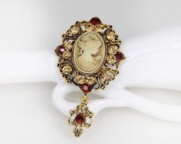 royal china jewelry Rabatt Schmuck-Brosche-Retro- Schönheits-Kopf-Kristallbroschen-königliche Hof-Art-Legierung verzierte Zubehör Pin 2 Farben-Großhandel