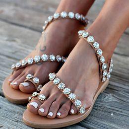 2019 bling pu zapatilla Sandalias de mujer Zapatos de Verano de Cristal Bling Mujer Sandalias Planas Tallas grandes Flip Flop Señoras Zapatillas de Fondo Suave Femenino 35-43 rebajas bling pu zapatilla