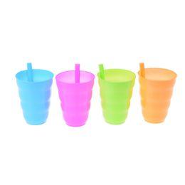 Copo De Palha De Plástico Crianças Caneca Colorida com Construído em Palha Copo de Água De Suco De Verão Crianças Doce Cor De Plástico Copos De Palha de