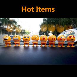 Emoji Araba Dekorasyon ABS Komik Emoji Sallayarak Kafa Bebekler Otomobil Pano Dekorasyon Yaratıcı Gülen Sevimli Utangaç İfade Dekor Oyuncaklar nereden futbol bilezikleri tedarikçiler