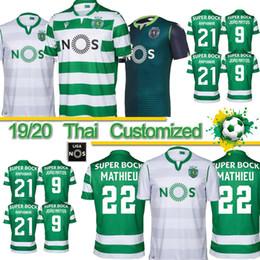 Sporting lisbon trikots online-Thai 2019 Sporting Lissabon Fußball-Trikots 19/20 weg grüne COATES ACUNA RAPHINHA Fußball-Hemden Lissabon DOST PHELLYPE 3. Fußball-Uniform