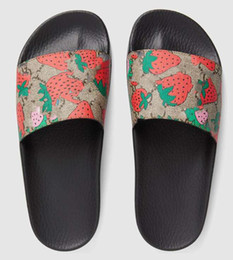 2019 pantofole in gomma per le donne 2019 Big size 35-48 rosso fragola Pantofole Slide in gomma nera Green Red White Stripe Fashion Design Uomo Donna con scatola Classicflat pantofole in gomma per le donne economici