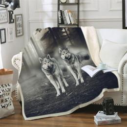 Lobo negro de peluche online-Lobo Galaxy Art fría cama Mantas niño de luna Galaxy felpa colcha blanca manta del tiro Planeta Negro de lino manta