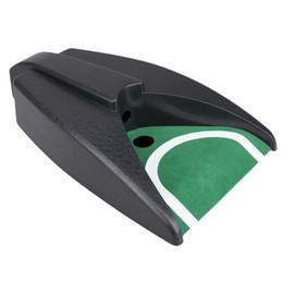 Pelota de golf de plástico portátil Kick Back Sistema de práctica de viaje de Putter de golf con dispositivo de ayuda para entrenamiento de la taza Putting desde fabricantes