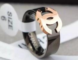 Conceptions de bague pour les femmes en Ligne-Vente chaude 316L Titanium Acier Mode Big G Anneau avec émail couleurs femmes et conception homme lettre C anneau bijoux