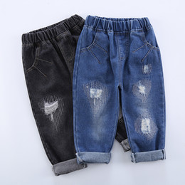 2021 джинсы детские вышивать Baby Boys Girls Ripped Jeans Pants 2019 Spring Korean Kids Jeans Broken Hole Embroidered Cowboys Pants Toddler Child Clothes