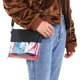 Bolsos de hombro con cremallera online-Bolsa de bandolera transparente City Jogging Bag PVC Zippered Gym Hombro Messenger Pack con hombro ajustable Correa de muñeca Juegos de deportes