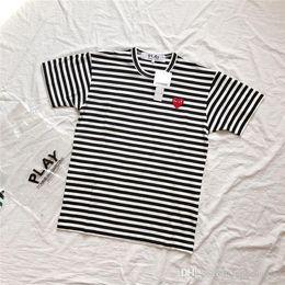 Frühling sommer neue play streifen baumwolle t-shirt kurzarm atmungsaktiv männer frauen lieben herz stickerei casual outdoor streetwear t-shirts von Fabrikanten