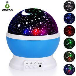 Estrelas da lua luz da noite on-line-Mais novo Rotação Night Light Starry Star Moon Sky Romântico Night Projector Night Light para festa de casamento natal
