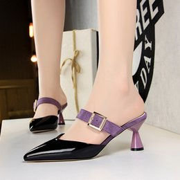 2019 обувь сандалии смешанный цвет high heels Mules Woman buckle Pointed toe Slippers Shallow Slides Hollow Shoes heel Sandals  Mixed color sandalias mujer дешево обувь сандалии смешанный цвет