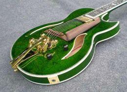 Hohle e-gitarre tremolo online-2019 Ankunfts-hochwertige Custom Shop Tiger Flamme Maple Modell 335 mit Tremolo grün Jazz E-Gitarre Semi Hollow Body-freiem Verschiffen