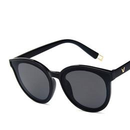 2019 óculos de sol oversized homens atacado Popular moda oversized mulheres óculos de sol marcas designer de óculos de sol do vintage para mulheres dos homens cor preta barato por atacado 10 pçs / lote óculos de sol oversized homens atacado barato