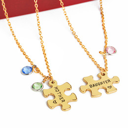 Пазл любовь онлайн-DXJEL 2 Pcs/Set Puzzle Lettering Mother Daughter Multicolor Rhinestone Necklace Sets For Women Love Heart Necklace Jewelry Gift