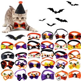 Haustier party liefert online-Halloween Dog Bow Ties Hundewelpen-Katze Nette Partei Krawatten justierbarer Haustier Katze Bedruckte Kragen Krawatten Accessoires Pet Grooming Supplies BH2346 TQQ