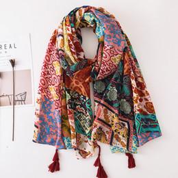 Canada 2018 Femmes Africain Ethnique Floral Long Viscose Châle Écharpe Hiver Plus Taille Chaud Enveloppement Marron Glands Musulman Hijabs Sjaal cheap ethnic floral scarves Offre