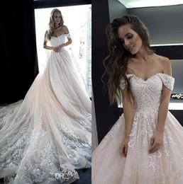 Abiti da sposa in tulle rosa chiaro con spalle scoperte 2019 Tulle Appliques in rilievo con una linea da sposa abiti da sposa robes de mariée BC2044 da